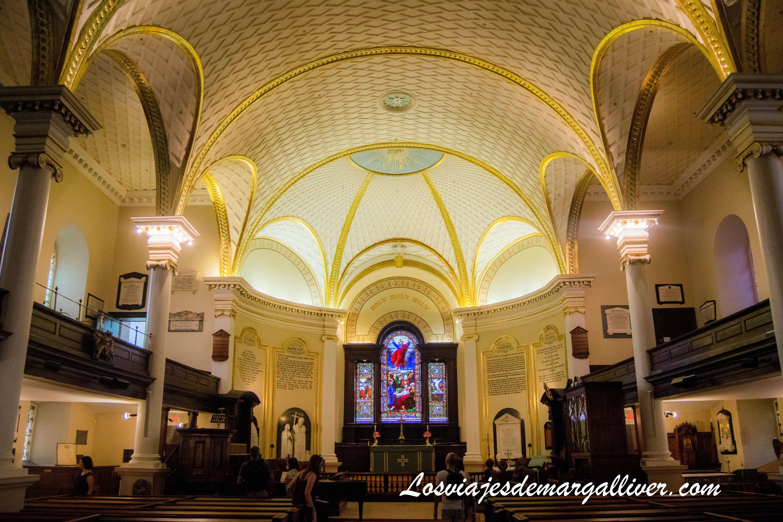 Catedral Holy Trinity, ruta a pie de un día en Quebec - Los viajes de Margalliver